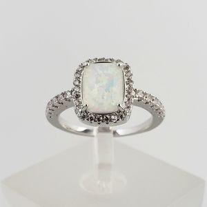 18k White Opal Ring